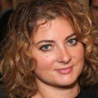 Isabelle Pechou headshot