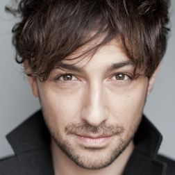 Alex Zane headshot