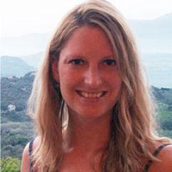 Charlotte Essex headshot