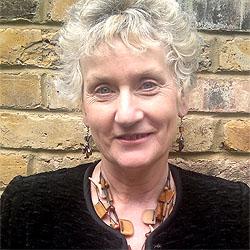 Linda Aronson headshot