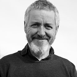 Griff Rhys Jones headshot