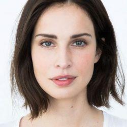 Heida Reed headshot