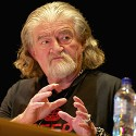 Joe Eszterhas close-up on stage