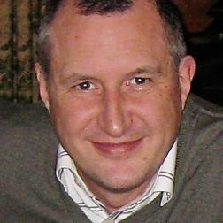 Piotr Szkopiak headshot