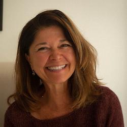 Susan Simnett headshot