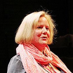 Catherine Arton headshot
