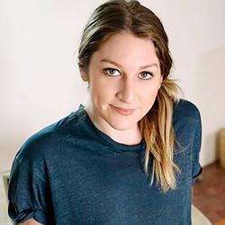 Denise Hewett headshot