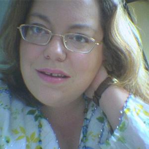 Lisa Holdsworth headshot