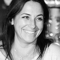 Lara Greenway headshot