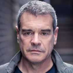 Mark Arnold headshot