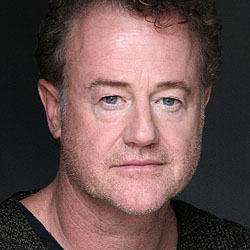 Owen Teale headshot