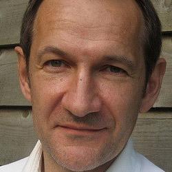 Stephen May headshot