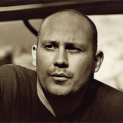 Alejandro Seri headshot