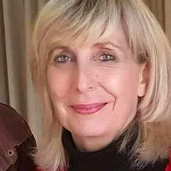 Janet van Eeden headshot