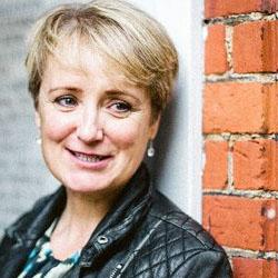 Lucy van Smit headshot