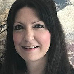Victoria Morris headshot